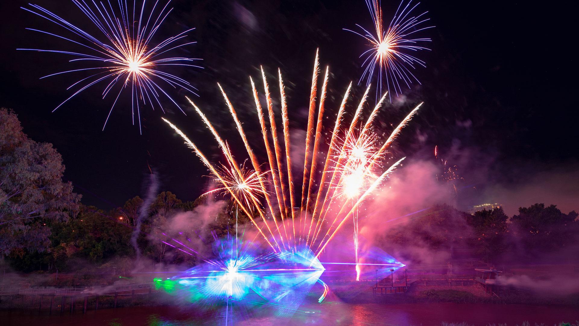 brisbane-fireworks-all-fired-up-fireworks-stage-fx-ipswich-home-slide-2018-1