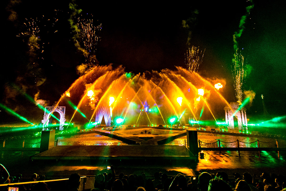 Seaworld Carnivale 2020 - Gallery 03 - All Fired Up Fireworks Stage FX
